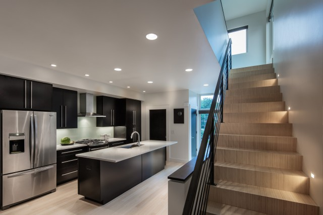 mdw-RH-kitchen-stair-640x427
