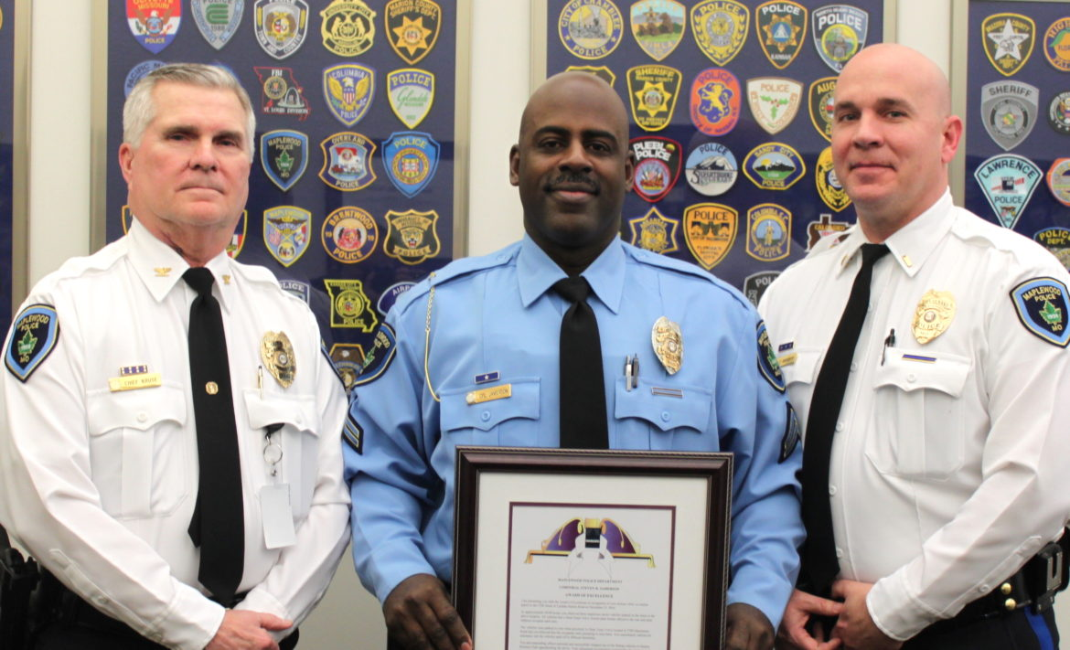 maplewood officer honored 40 south news. Black Bedroom Furniture Sets. Home Design Ideas